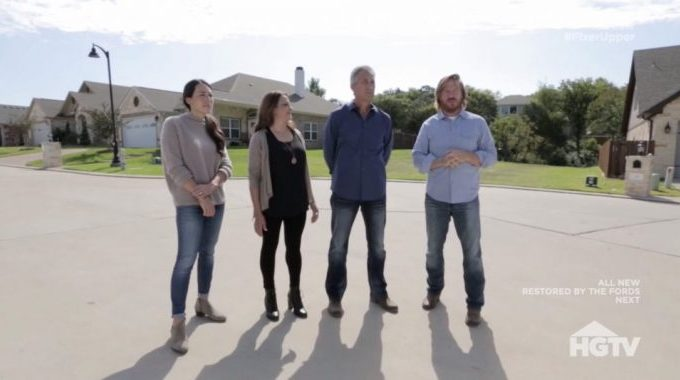 fixer upper recap season 5 episode 13 european cottage with a view hg fandom. Black Bedroom Furniture Sets. Home Design Ideas