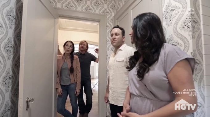 fixer upper behind the design recap season 1 episode 3 the scrivano house hg fandom. Black Bedroom Furniture Sets. Home Design Ideas