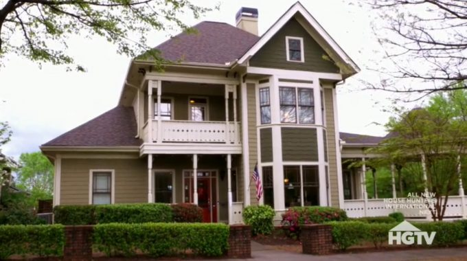 House Hunters Recap: Character or Bust in Atlanta-2