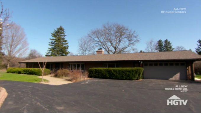 House Hunters Recap: Big Backyard for a Wedding in Illinois -2