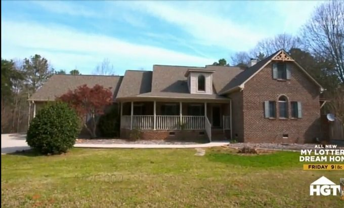 House Hunters Recap: Landlocked or Lake House in South Carolina-3