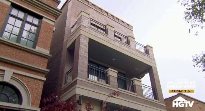 House Hunters Recap: Bachelor Pad in Chicago-3